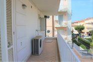 Immagine n0 - Appartamento al piano secondo con posto auto - sub 20 - Asta 7924