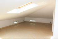 Immagine n1 - Soffitta al piano quarto - sub 23 - Asta 7927