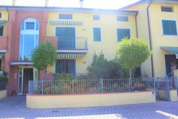 Apartment with parking spaces and motorcycles - Lote 7932 (Subasta 7932)