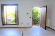 Immagine n1 - Appartamento con posti auto e moto - Asta 7932