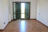 Immagine n5 - Appartamento con posti auto e moto - Asta 7932