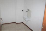 Immagine n11 - Appartamento con posti auto e moto - Asta 7932