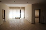 Immagine n0 - Three adjacent offices with parking spaces - Asta 7964