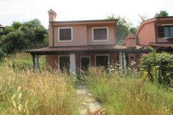 Single family house    A  with garden - Lot 8006 (Auction 8006)