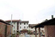Immagine n0 - Fabbricato residenziale con corte pertinenziale - Asta 8033