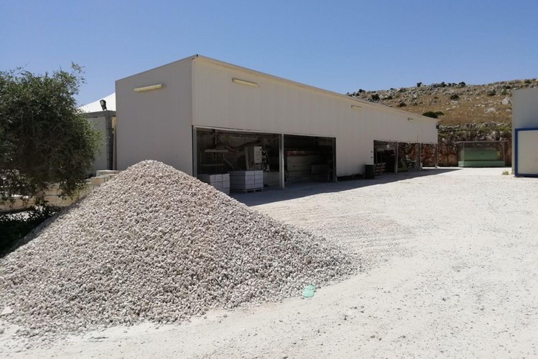 #8085 Opificio per la lavorazione del marmo in vendita - foto 2