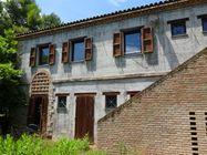 Immagine n1 - Ex edificio colonico con piscina - Asta 810