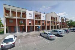 Appartamento a piano terzo con pertinenze (subb.21 e 37)
