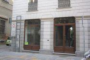 Immagine n0 - Negozio con magazzino e garage in palazzo storico - Asta 8124
