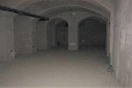 Immagine n5 - Negozio con magazzino e garage in palazzo storico - Asta 8124
