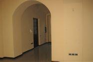 Immagine n1 - Negozio con magazzini in palazzo storico - Asta 8125