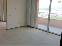 Appartamento con due garage (sub 13)