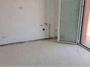 Immagine n1 - Appartamento con due garage (sub 13) - Asta 8135