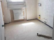 Immagine n2 - Appartamento con due garage (sub 13) - Asta 8135