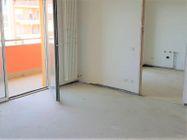 Immagine n0 - Appartamento con due garage (sub 14) - Asta 8136