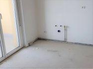 Immagine n1 - Appartamento con due garage (sub 14) - Asta 8136