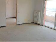 Immagine n0 - Appartamento con due garage (sub 15) - Asta 8137