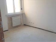 Immagine n2 - Appartamento con due garage (sub 16) - Asta 8138