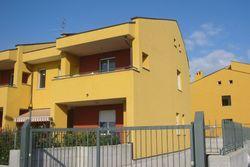 Appartamento con garage in complesso residenziale