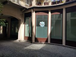 Shop of    square meters in the central area - Lote 8217 (Subasta 8217)