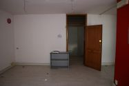 Immagine n5 - Portion of a management building - Asta 8220