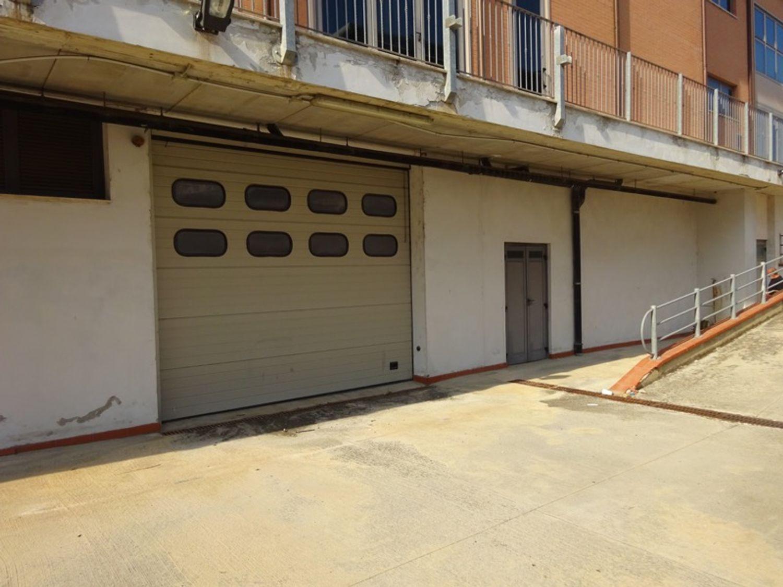 #8235 Deposito in complesso commerciale in vendita - foto 2