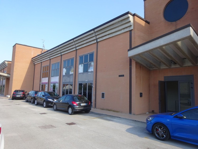 #8238 Laboratorio artigianale in complesso commerciale (sub 21) in vendita - foto 9