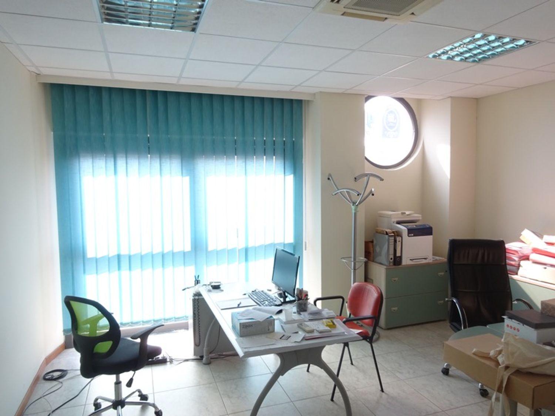 #8239 Laboratorio artigianale in complesso commerciale (sub 22) in vendita - foto 1