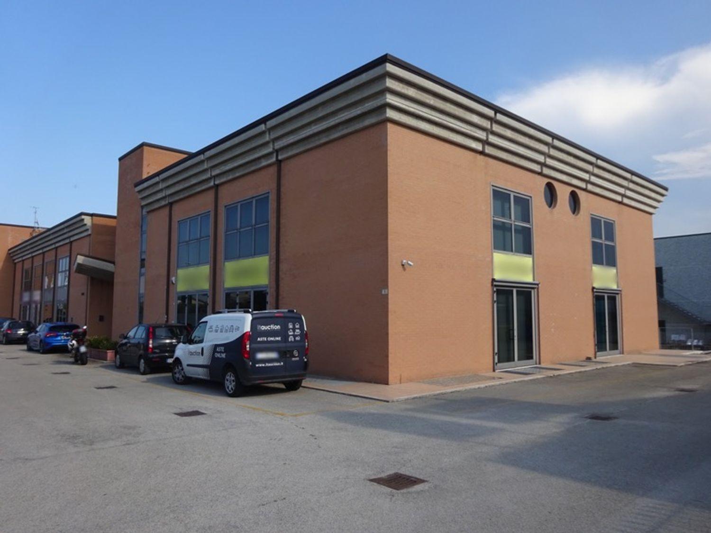 #8239 Laboratorio artigianale in complesso commerciale (sub 22) in vendita - foto 9