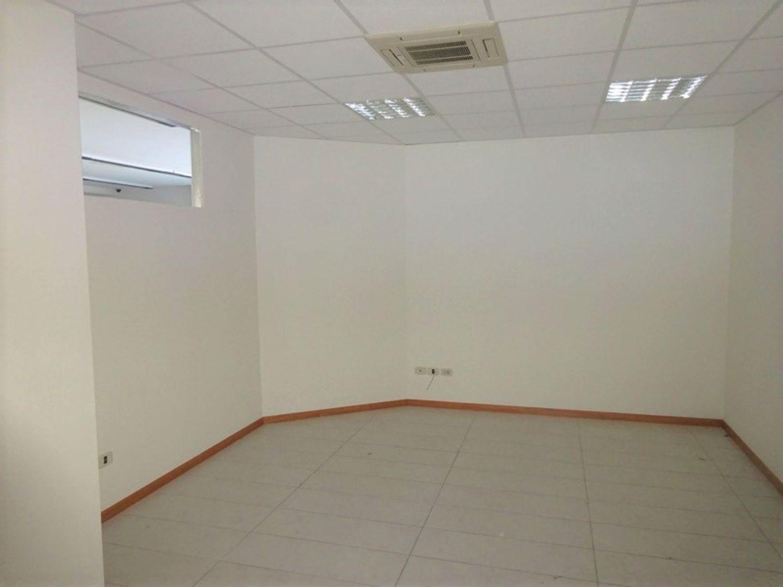 #8245 Negozio in complesso commerciale (sub 29) in vendita - foto 4