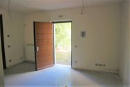 Immagine n2 - Apartment with exclusive courtyard (Map 403 Sub 3) - Asta 8313