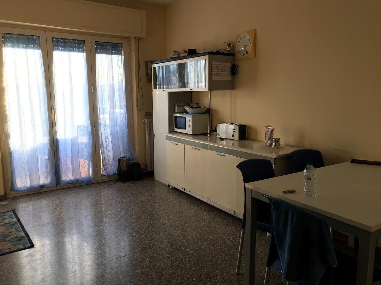 #8411 Laboratorio con appartamento e ufficio