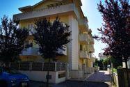 Immagine n0 - Appartamento con magazzino - Asta 8503