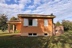 Quota di ½ di villa con autorimessa e giardino