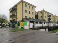 Immagine n1 - Porzione di negozio con garage in complesso polifunzionale - Asta 8554