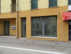Shop with parking spaces  sub    - Lot 8557 (Auction 8557)