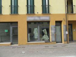 Shop with parking spaces  sub    - Lot 8558 (Auction 8558)