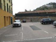 Immagine n4 - Negozio con posti auto (sub 5) - Asta 8558