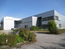 Portion of industrial warehouse with offices and home - Lote 8571 (Subasta 8571)