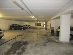 Five parking spaces in the garage - Lote 8576 (Subasta 8576)