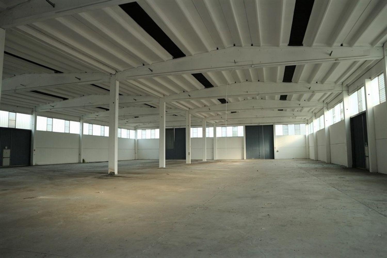 #8591 Capannone industriale con blocco uffici di 4.259 mq