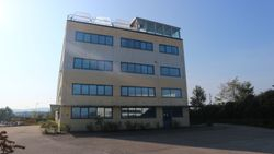 Craft   service complex on multiple levels of  ,    square meters - Lote 8594 (Subasta 8594)