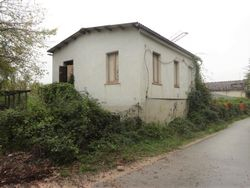 Magazzini con abitazione collabenti - Lotto 8637 (Asta 8637)