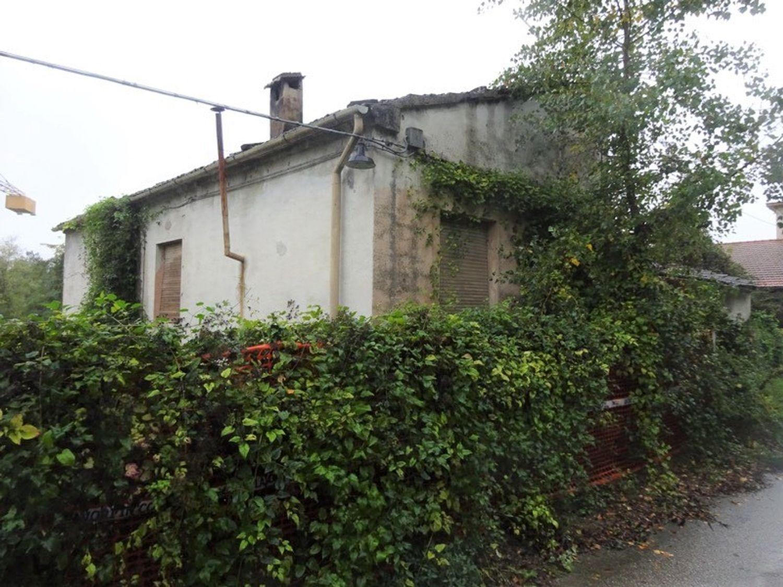 #8637 Magazzini con abitazione collabenti in vendita - foto 3