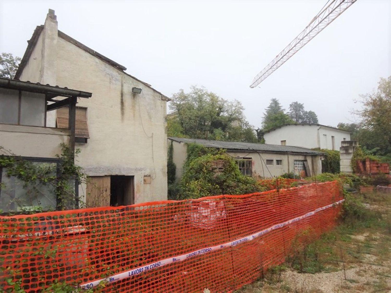 #8637 Magazzini con abitazione collabenti in vendita - foto 7