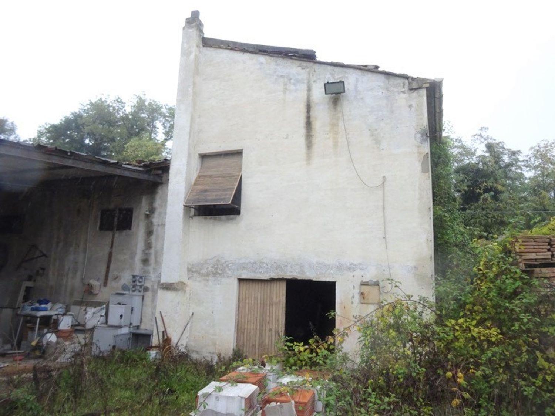 #8637 Magazzini con abitazione collabenti in vendita - foto 9