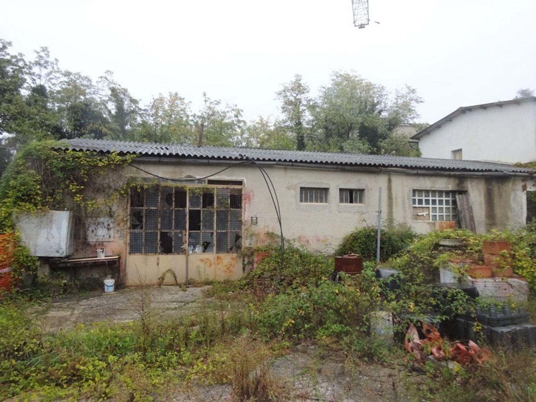#8637 Magazzini con abitazione collabenti in vendita - foto 10