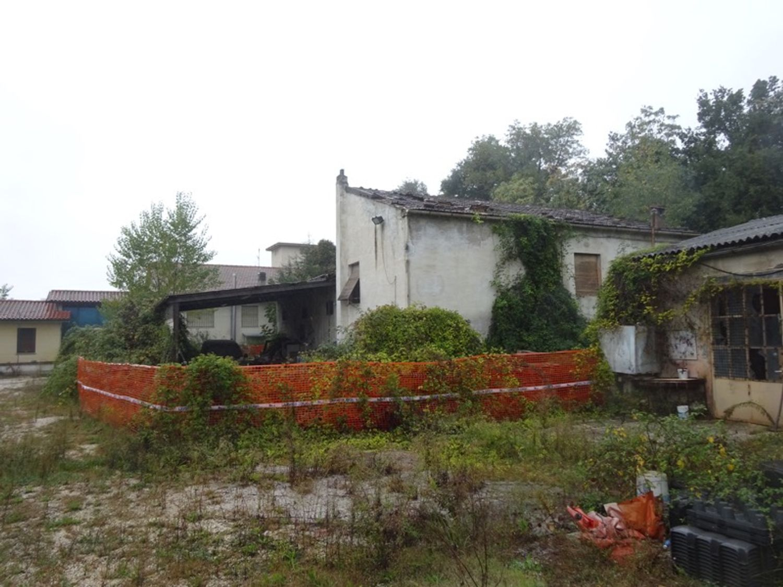 #8637 Magazzini con abitazione collabenti in vendita - foto 13