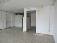 Immagine n2 - Shop on the ground floor with cellar - Asta 8645