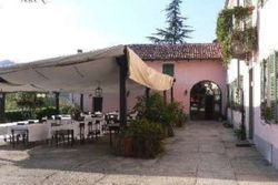 Restaurant with appliances and private chapel - Lot 8661 (Auction 8661)